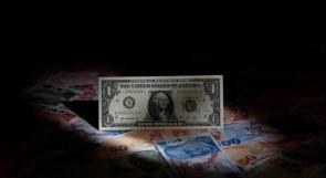 الليرة التركية تعاود الانخفاض مجدداً