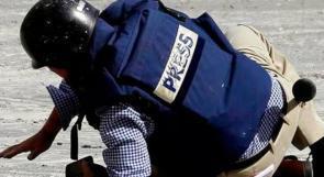 الاتحاد الدولي للصحفيين يدين استهداف المصور الصحفي جعفر إشتية بقنبلة غاز
