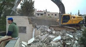 الاحتلال يسلم إخطارات بوقف البناء في محلات تجارية جنوب غرب جنين