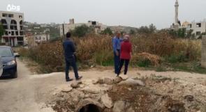 فيديو| أهالي بيت ايبا يناشدون عبر وطن بوقف المكرهة الصحية التي تخلفها مزارع زواتا