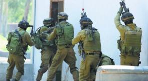 اعتقالات واقتحامات بالضفة