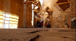 """تجار البلدة القديمة في الخليل يناشدون عبر """"وطن"""" توجيه أعين السياح إليها"""