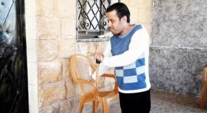 """الكفيف نديم ووالدته المريضة يناشدون عبر """"وطن"""" أهل الخير لمساعدتهم"""