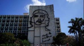 الكوبيون يحتفلون بذكرى عيد الميلاد الـ 90 لتشي غيفارا