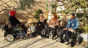 """بعد تقرير لـ""""وطن"""": بالفيديو.. طولكرم: مواطن يتبرع بـ""""كرسيين وجهاز تنفس"""" لـ """"عائلة عامر"""""""