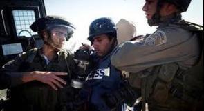 """تقرير مدى: انتهاكات ضد الصحفيين أخطرها إصابة الصحفي عويسات بـ"""" ارتجاج"""" في المخ"""