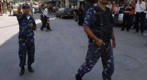 الشرطة: إصابة فتى في انفجار ألعاب نارية والقبض على 42 مطلوبا