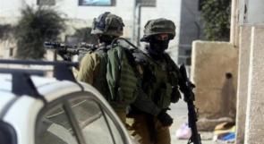الاحتلال يقتحم قلقيلية ومواجهات واعتداءات من المستوطنين