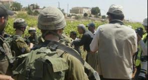 الاحتلال يمنع المزارع عبد اللطيف عرار من استصلاح أرضه جنوب قلقيلية