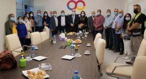 الوزير أبو جيش يكرم المرأة الفلسطينية العاملة في يومها الوطني