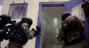الحركة الأسيرة تحمل الاحتلال المسؤولية عما يجري في سجن عوفر