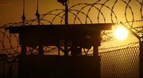 موجة الحر تمر قاسية على الأسرى في السجون