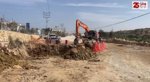"""بعد نشر مناشداتهم عبر """"وطن"""".. بلدية الخليل تبدأ بتعبيد شارع بيت عينون"""