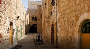 حارة بني دار في الخليل مهمشة سياحيا.. وأصحاب المحلات يشتكون عبر وطن