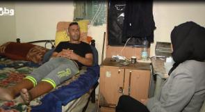 حياته بين الوقوف والنوم.. خزان ماء أفقد حسين قدرته على الجلوس