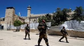 الاحتلال يعتقل شابا قرب الحرم الابراهيمي في الخليل