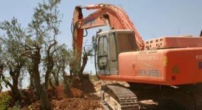 جرافات الاحتلال تدمر منشآت وأراضي زراعية في بلدة كفر الديك