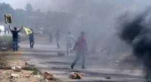 """مواجهات بين المواطنين وقوات الاحتلال قرب سجن """"عوفر"""""""