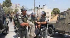 جنود الاحتلال يعتدون على مشاركين في مسيرة المعصرة
