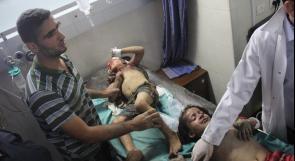 غزة: فريق طبي يفحص الجرحى لنقل الحالات الحرجة إلى تركيا