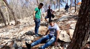 إصابة طفل بانفجار قنبلة صوت من مخلفات الاحتلال في اللبن الشرقية