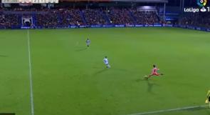 فيديو | هدف أسطوري بقدم حارس مرمى في الدوري الإسباني