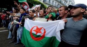 الجزائرون يهتفون لرحيل بن صالح ويرفضون الانتخابات