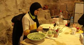 عاملات السيراميك في قرية نصف جبيل.. حكاية فن وإبداع خلقتها الحاجة لتوفير فرص عمل