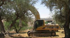 """جرافات الاحتلال تشرع بعمليات تجريف في أراضي """"حوارة"""" لشق طريق استيطاني"""