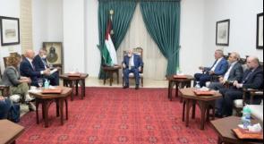 الرئيس عباس يطلب لقاء وزير خارجية الاحتلال