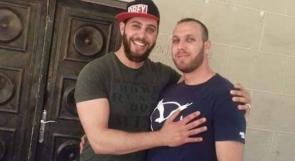 صورة تجمع الشهيد صالح البرغوثي وشقيقه الأسير عاصم