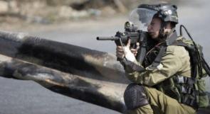 إصابة طفل بجروح خطيرة جراء إطلاق الاحتلال النار عليه شمال الخليل