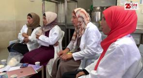 نحو التمكين الاقتصادي.. سيدات من الخليل يطلقن مشروعاً لتصنيع الألبان والأجبان