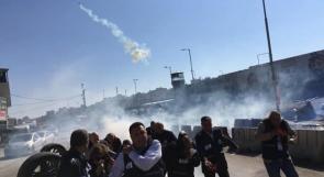 قلنديا: الصحفيون تحت النار