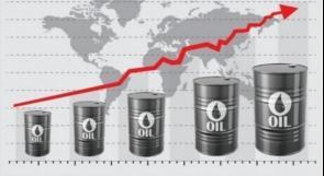 النفط يرتفع مع انخفاض المخزونات الأمريكية