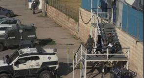 الاحتلال يعتقل فتاة قرب المسجد الإبراهيمي