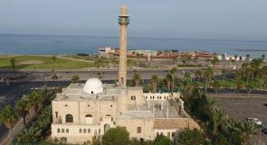 مستوطنون يحطّمون بعض نوافذ مسجد حسن بيك في يافا