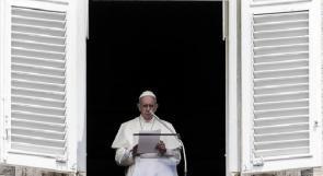 """بابا الفاتيكان يعترف : الكنيسة """"تجاهلت لفترة طويلة"""" مشكلة التحرش بالأطفال"""