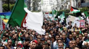 مواطنون عالقون في الجزائر يناشدون عبر وطن الرئيس ورئيس الوزراء بإجلائهم