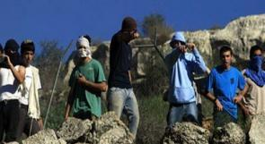 مستوطنون يعتدون على مواطن بنابلس