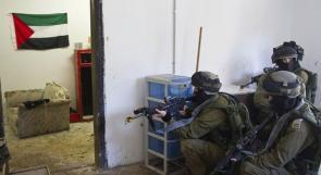 قوات الاحتلال تعتقل مسنا عمره 95 عاما من السموع