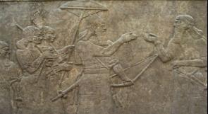العراق.. اكتشاف معاصر نبيذ وجداريات آشورية عمرها 2700 عام