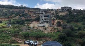 قوات الاحتلال تهدم بناية ومنزلا قيد الانشاء في وادي عارة