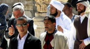 بالصور.. زيارة الداعية اليمني الجفري للمسجد الأقصى وحماس تستنكر