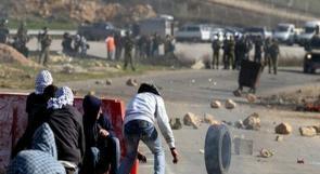 شبان غاضبون نتيجة اوضاع الاسرى يغلقون مدخل مستوطنة معاليه أدوميم