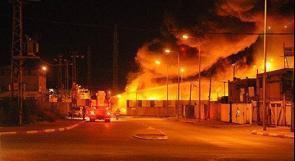 """كتائب القسام تقصف """"تل أبيب"""" بصاروخ """"فجر 5"""" واندلاع حريق في مبنى ببئر السبع"""