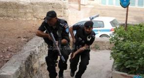 الشرطة تقبض على 6 أشخاص بتهمة السرقة في رام الله