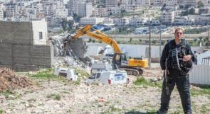 الاحتلال يخطر بهدم منشأة تجارية في سلوان