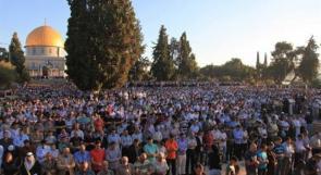 ملايين المسلمين في العالم يحتفلون بعيد الفطر