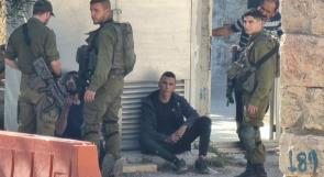 الاحتلال يحتجز أربعة شبان من الخليل